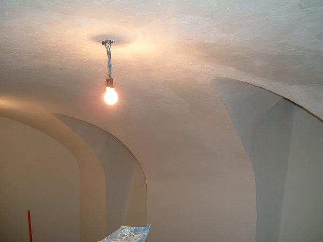 Bóvedas de ladrillo en sótanos de edificios de muros de carga