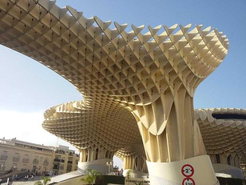 Estructura de madera del Metropol Parasol en Sevilla