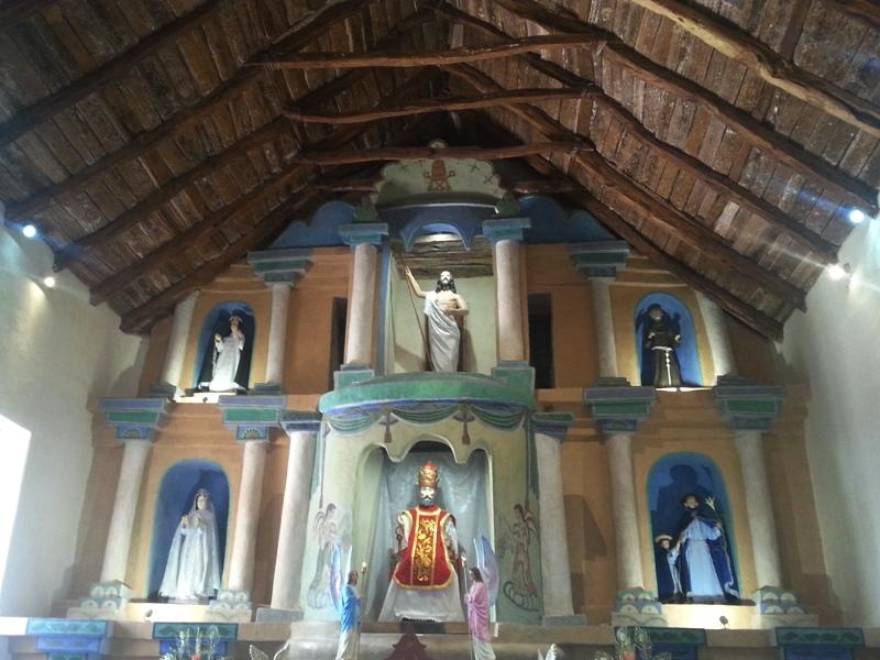Arquitectura de adobe en las iglesias de Atacama, Chile. Construcciones antisísmicas