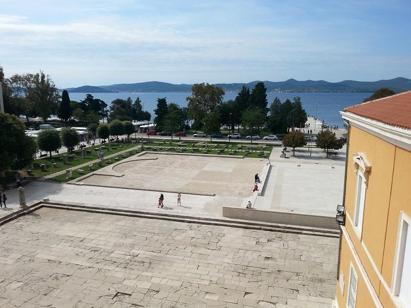 Construcción de la iglesia de San Donato en Zadar. De la arquitectura romana a la medieval