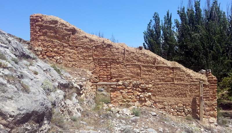 Construcciones de adobe y tapial en Cetina y Jaraba, Zaragoza