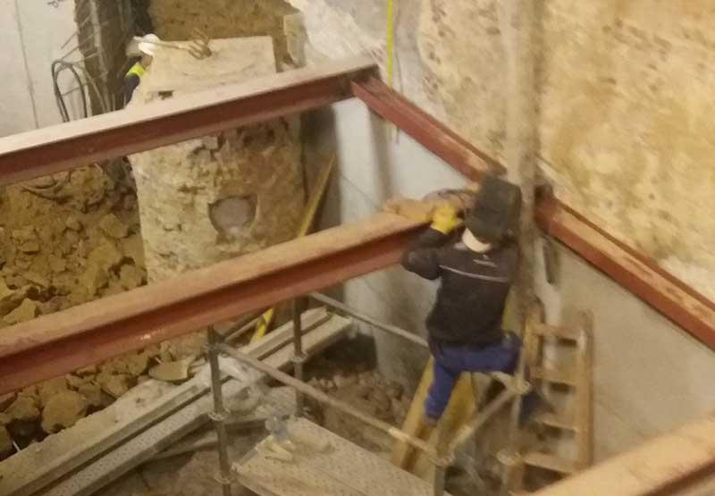 Recalce de muro de sótano por batache