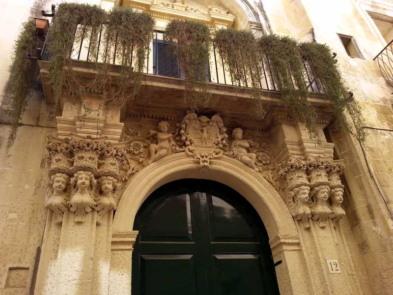 Ménsulas barrocas en Lecce