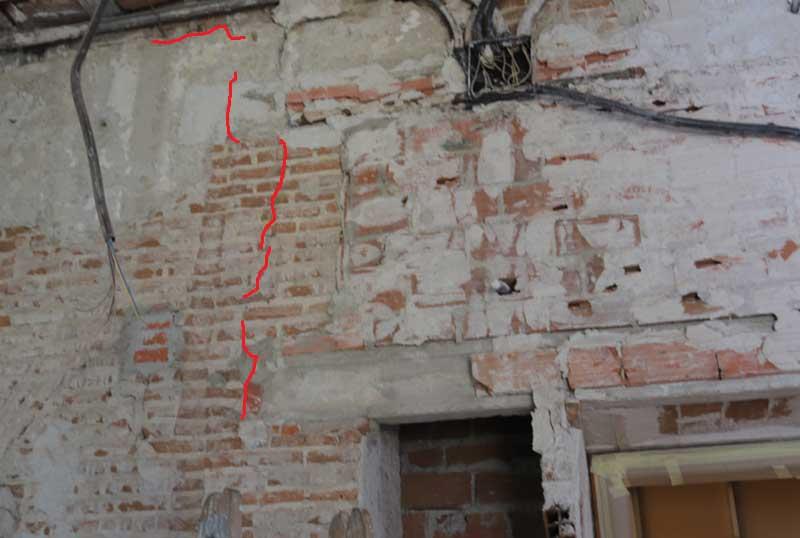Cabeza del muro con apoyo de forjado de viguetas de hormigón