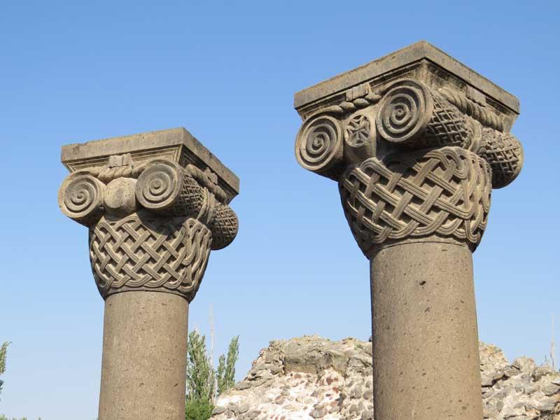 Monasterio Zvarnots, Armenia