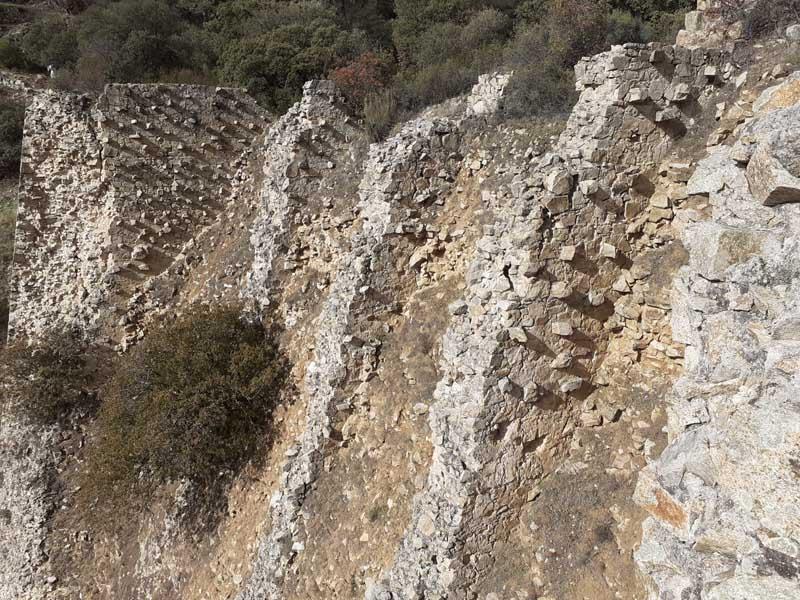 Presa de El Gasco, muros aguas abajo